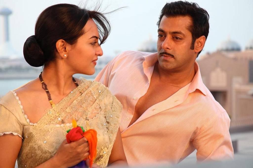 Salman-Khan-with-Sonakshi-Sinha-in-Dabaang