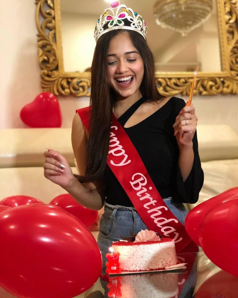 Young-actress-and-tik-tok-queen-zannat-jubair-celebrating-her-birthday