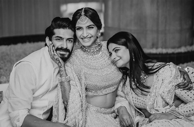 Sonam Kapoor Misses Her 'Brat' Siblings Rhea And Harshvardhan