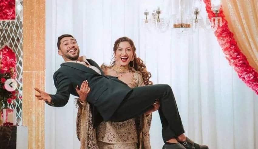 Gauahar khan lifts husband zaid darbar in her arms